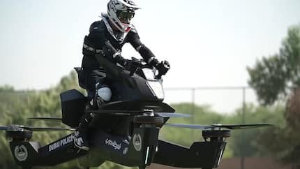 Dubai Police begin training officers how to pilot $150,000 flying motorbikes (photos)