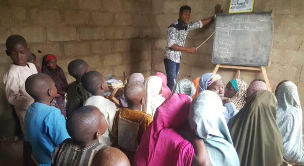Nigerian who teaches over 400kids in a village in kaduna pro bono