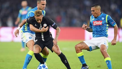 Neymar attacks match official after PSG's Champions League draw against Napoli