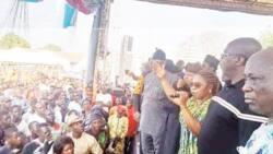 Daughter of ex-Senate president dumps PDP for APC (photos)