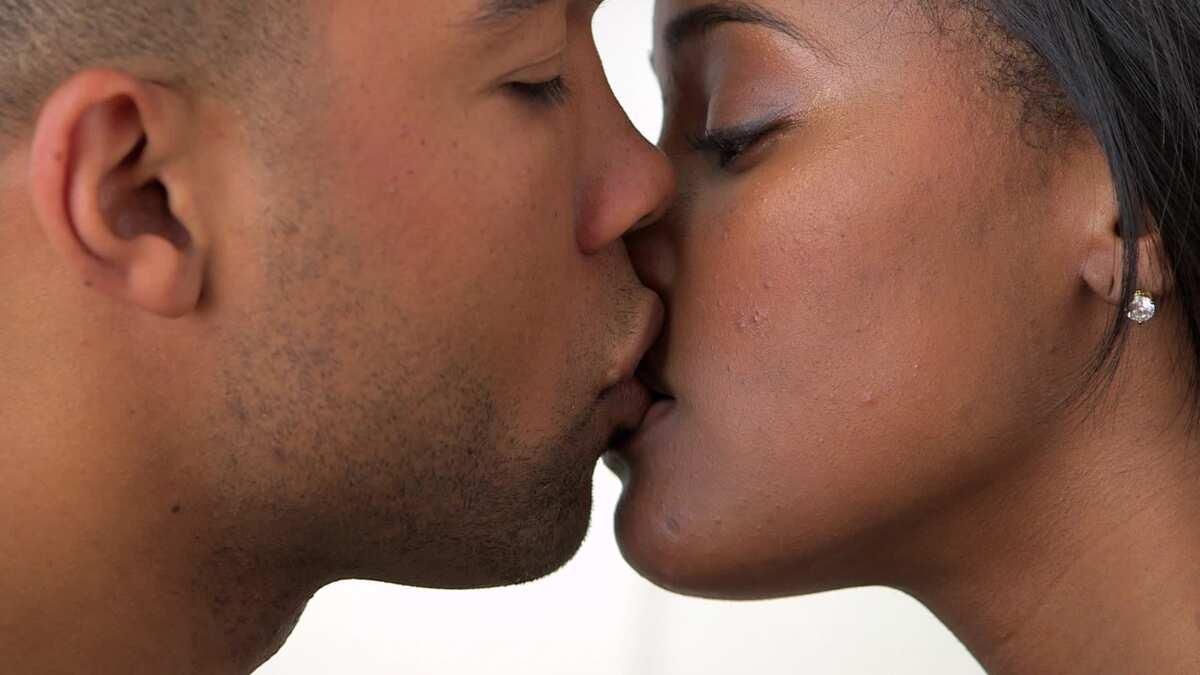 Tongue kiss
