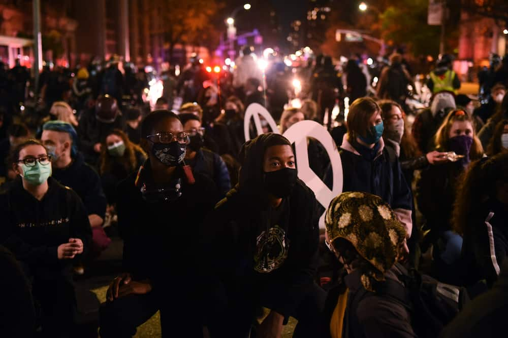 US election: Police arrest nearly 60 protesters in Manhattan