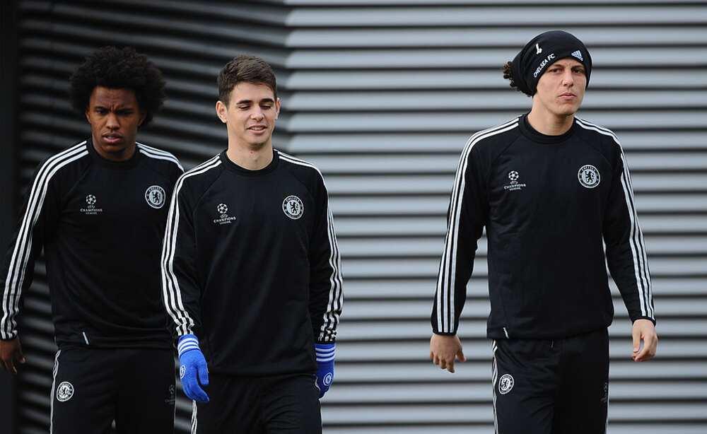 David Luiz and Willian urge former Chelsea teammate Oscar to join Arsenal