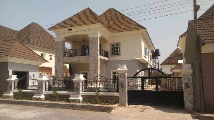 revealed abuja landlords don 39 t rent houses to nigerians except white people nigeria news. Black Bedroom Furniture Sets. Home Design Ideas
