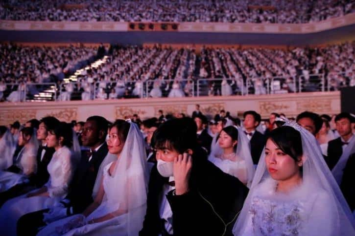 Pictures Show 30,000 People Attending A Mass Wedding In South Korea, Despite Coronavirus Scare