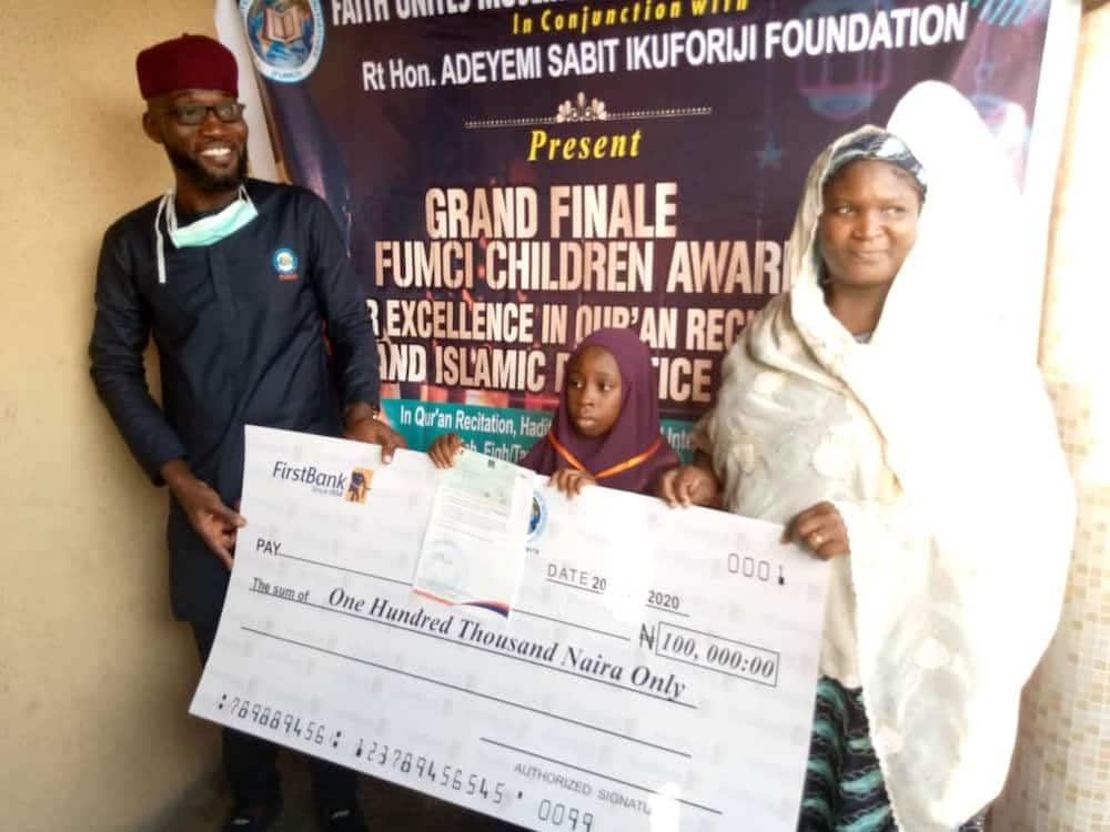 9-year-old girl defeats 31 others to win Lagos overall prize in Qur'an, Hadith competition
