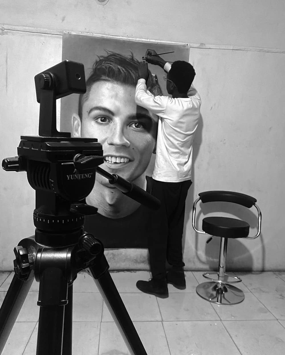 Nigerian talented artist paints adorable picture of Cristiano Ronaldo within 75 hours