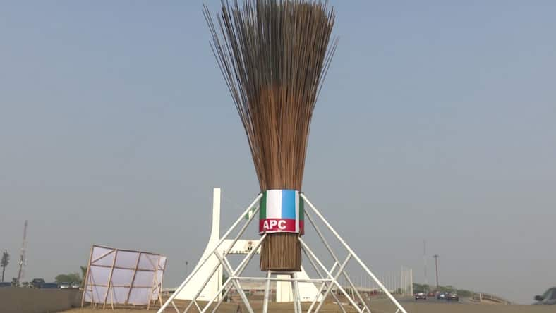 Just In: APC giant broom finally removed from Abuja City Gate