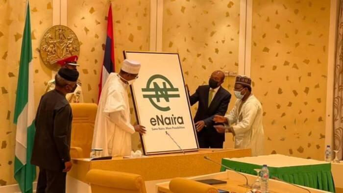 Da dumi: Shugaba Buhari ya kaddamar da kudin e-Naira tare da Gwamnan CBN