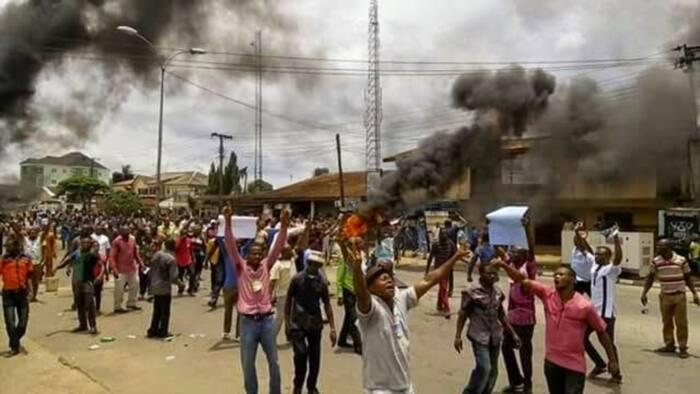 Breaking: Electoral violence begins in Kogi as hoodlums burn down party secretariat in Lokoja