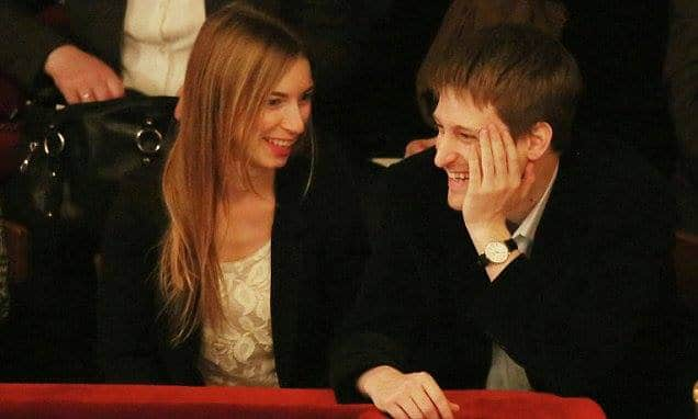 Who is Lindsay Mills: top 10 facts about Edward Snowden girlfriend