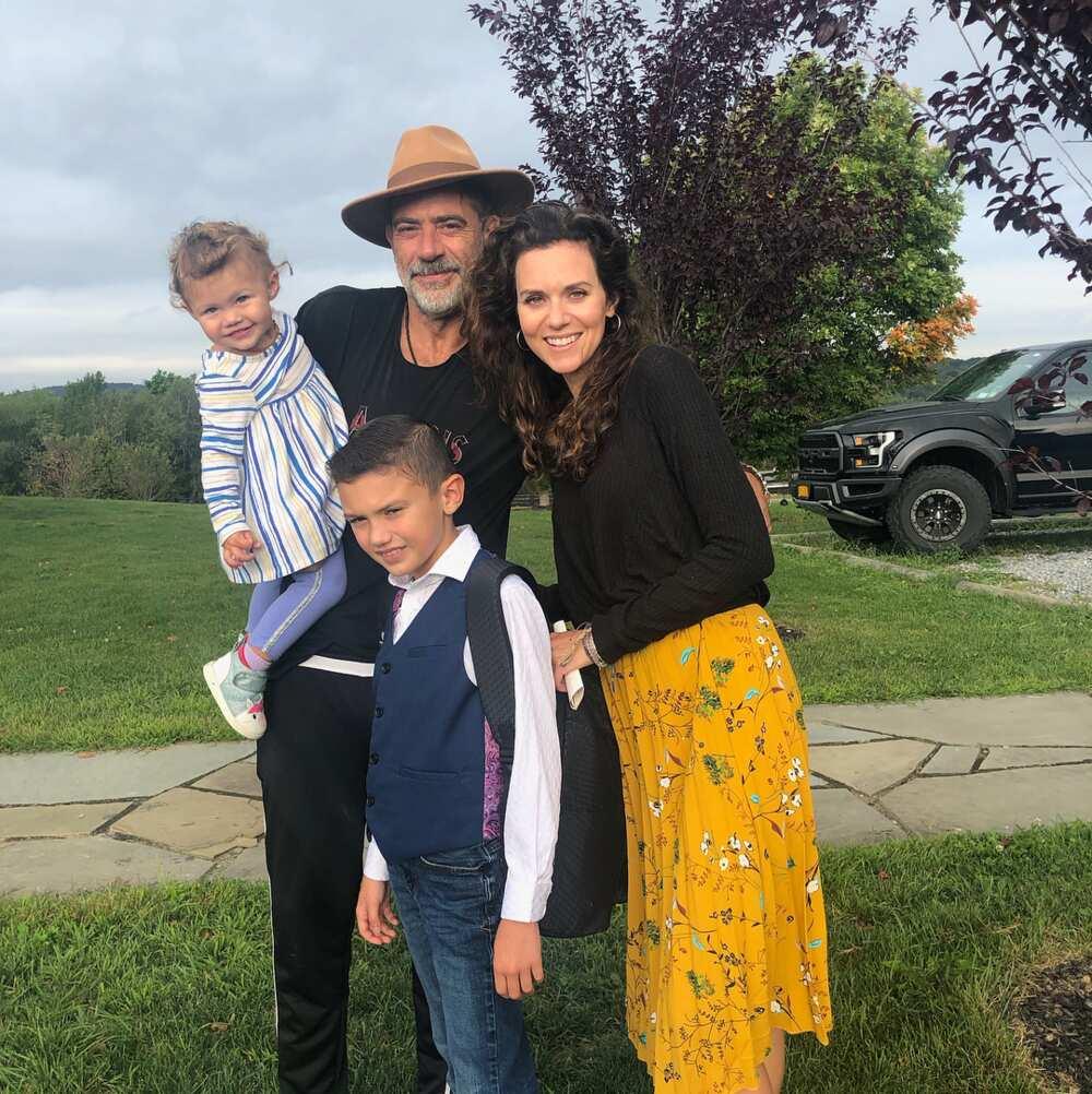 Who is Jeffrey Dean Morgan's wife?