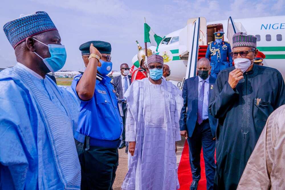 Hotunan Buhari ya dawo Najeriya bayan halartar muhimmin taro a kasar Faransa