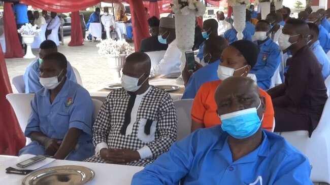 Boko Haram: Buratai ya zoyarci sojin Najeriya da ke jinya a Kaduna (Hotuna)