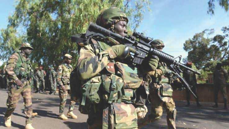 'Yan bindiga sun sace sojojin Najeriya 2 akan wata babbar hanya a Borno
