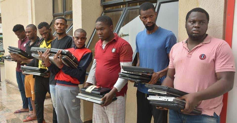 EFCC releases identities of 33 alleged fraudsters arrested in Imo state - Legit.ng