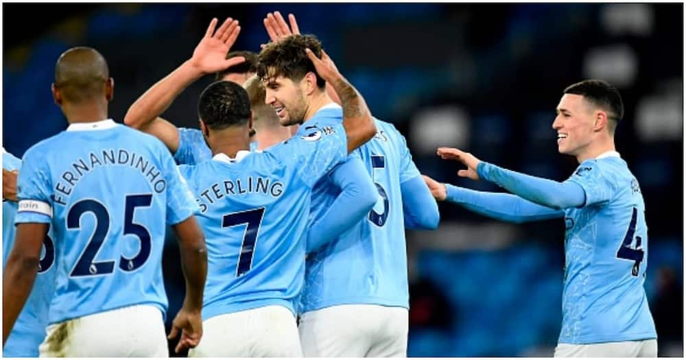 Man City tear Crystal Palace apart to go just two points behind leaders United