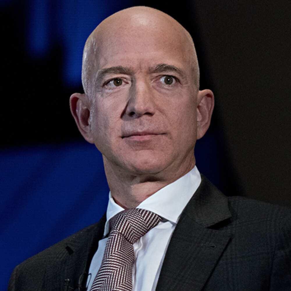 Voici les 10 hommes les plus riches de tous les temps, Jeff Bezos occupe la 9e place (photos)