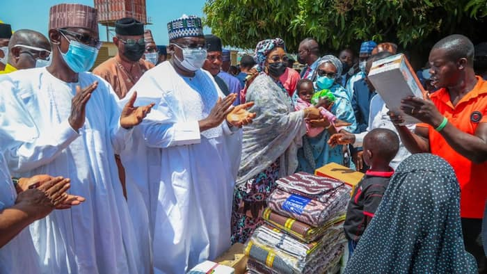 Nigerian lawmakers mark 2nd anniversary, donates items worth N10m to IDPs
