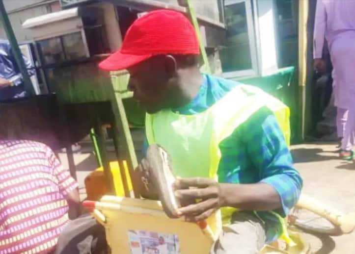 Ability in disability: Man dumped street begging for cobbling, makes 4-figure daily