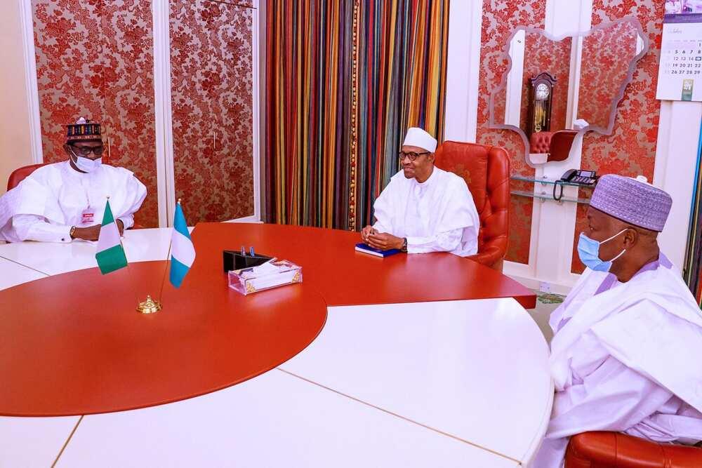 Buhari ya gana da GEJ, Bagudu, Badaru da Buni a Villa