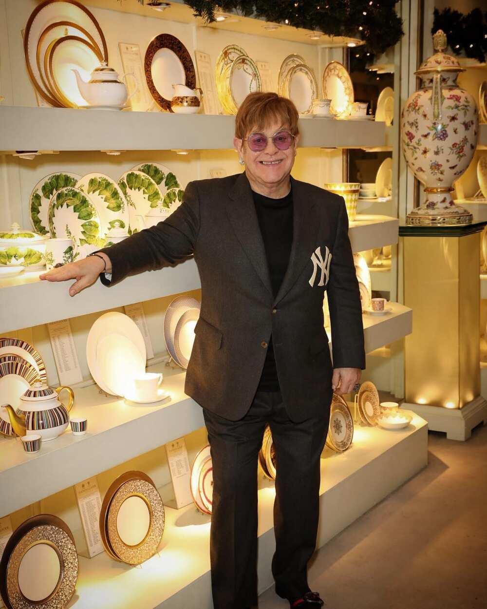 How tall is Elton John?