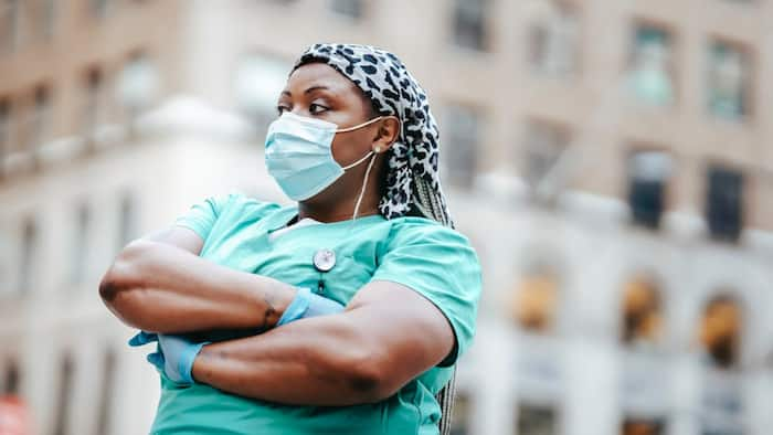 10 reasons why doctors are more important than teachers