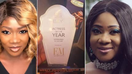 Mercy Johnson thanks Toyin Abraham for helping her receive her award as actress of the year