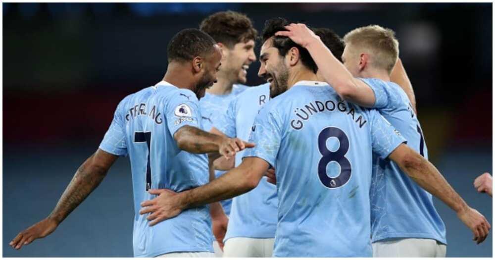 Clinical Man City edge stubborn Aston Villa at Etihad to go top