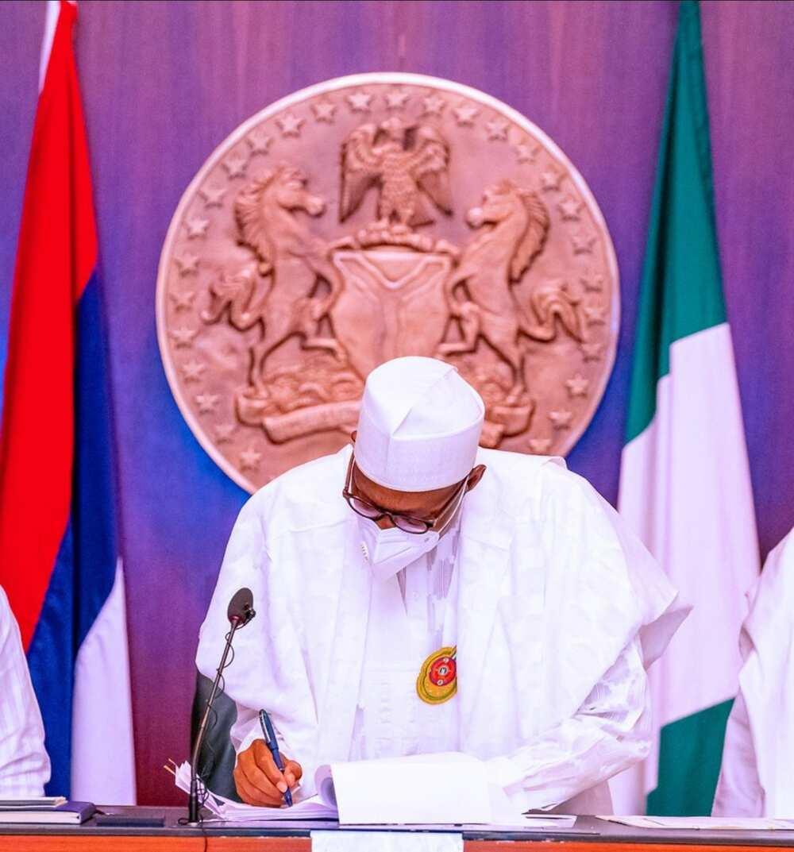 'Deliver on targets or get sanctioned' - Buhari warns revenue generating agencies