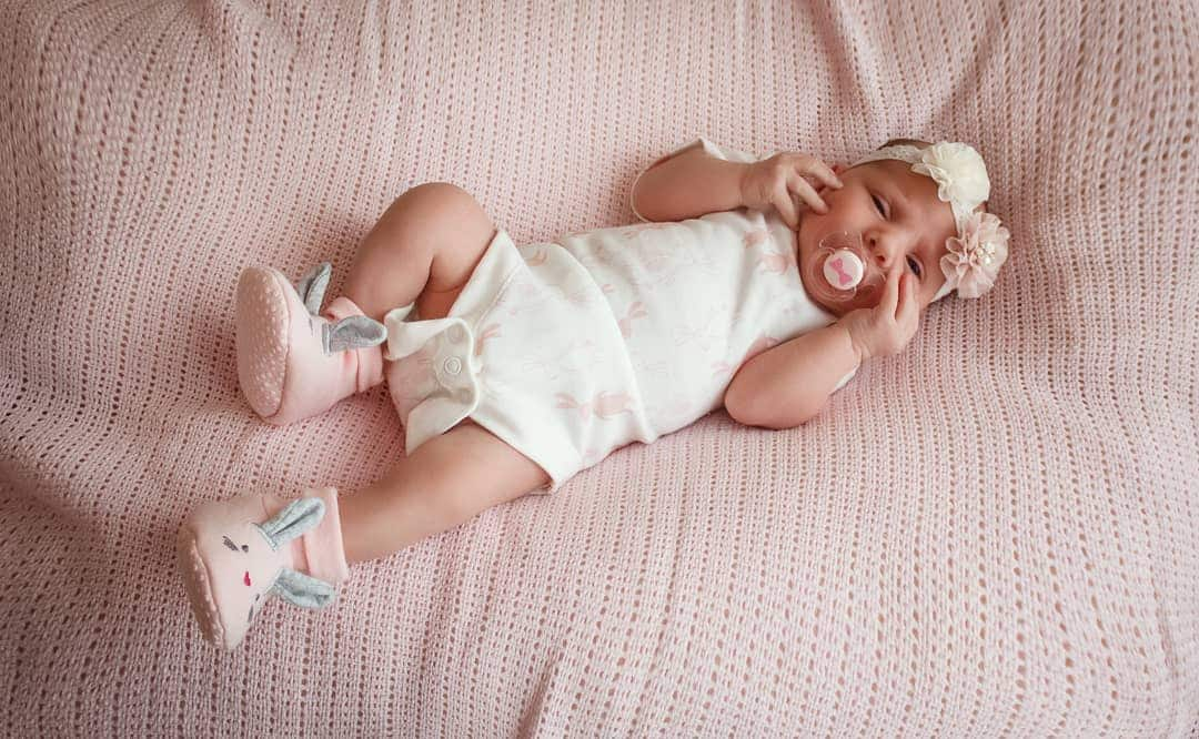 When do babies roll over? Top facts about this baby ...