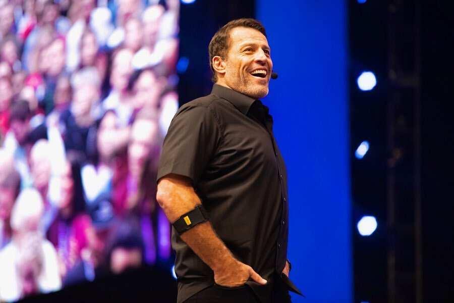 Tony Robbins bio