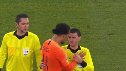 Van Dijk consoles referee who lost mum before Holland clash against Germany