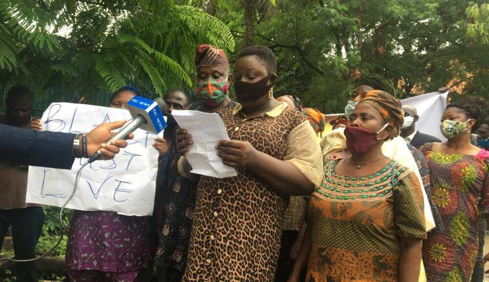 George Floyd: Protesters defy heavy Lagos rain, march in solidarity with blacks