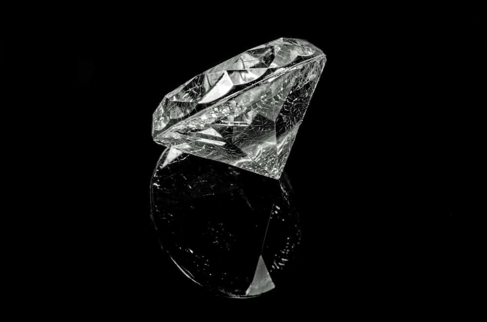 how to tell real diamonds