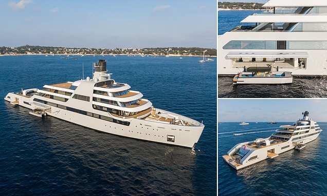 Roman Abramovich's £430million Solaris spotted on the sea