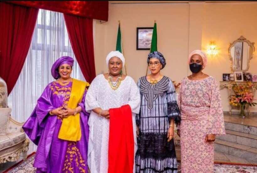 Hotunan lokacin da uwar ango Aisha Buhari ke jiran isowar amaryar dan ta Yusuf
