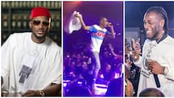 2Baba declares Burna Boy's single YE as the biggest song of 2018, Wizkid thrills guests with awesome performance (videos)