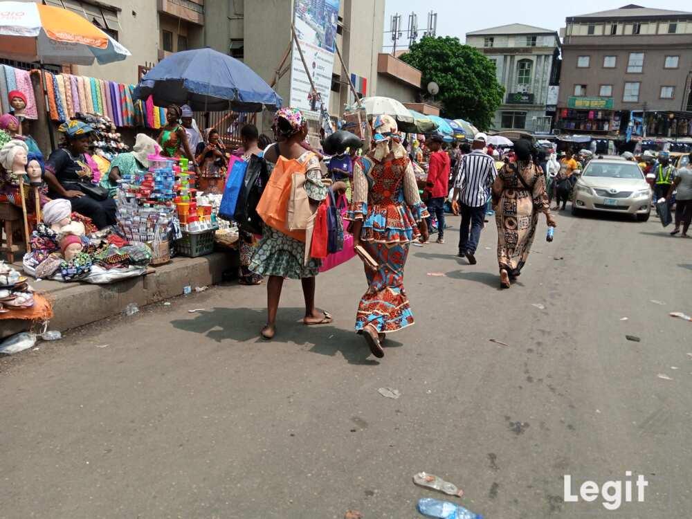 A side view of Balogun market, Balogun, Lagos Island, Lagos. Photo credit: Esther Odili