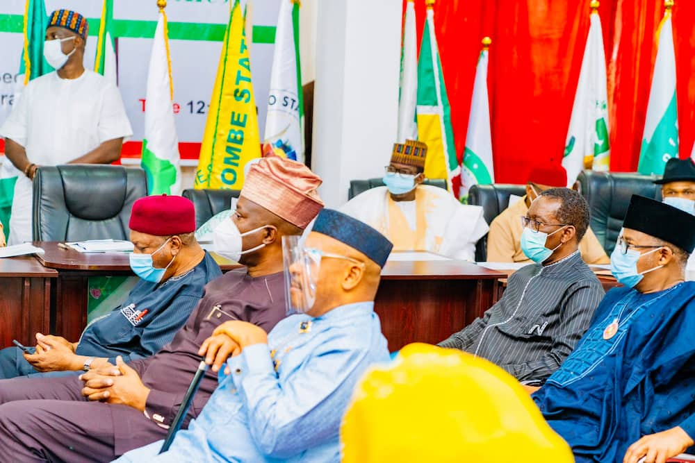 Report claims three PDP governors are holding defection talks with APC