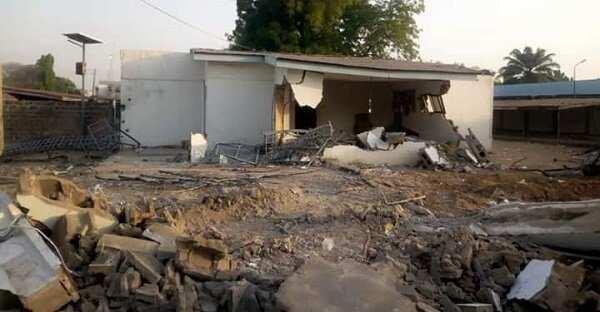 Ile Arugubo: Kwara state govt demolishes Saraki's land at 2am despite court order
