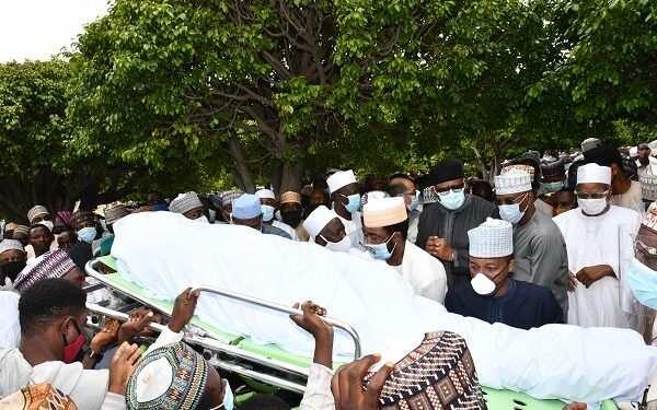 Bidiyo da hotuna: An yi jana'iza tare da birne Isma'ila Funtua a Abuja