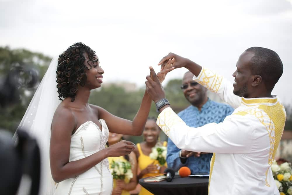Nairobi couple dazzle in colourful wedding, bride wheeled to venue on handcart