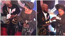 In video: Hilarious moment Falz sprayed Toyin Abraham fake money on red carpet, promises to send her real cash