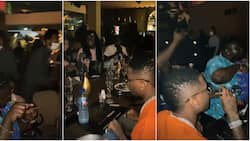 Reactions as singer Wizkid splashes almost N4m during dinner outing with friends