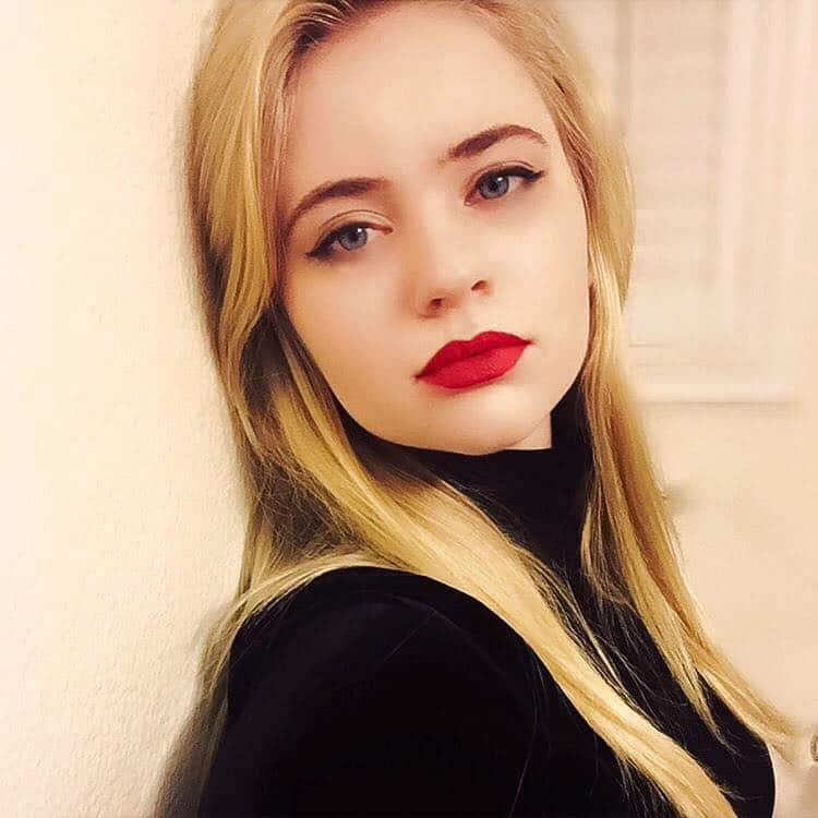 Blonde actresses