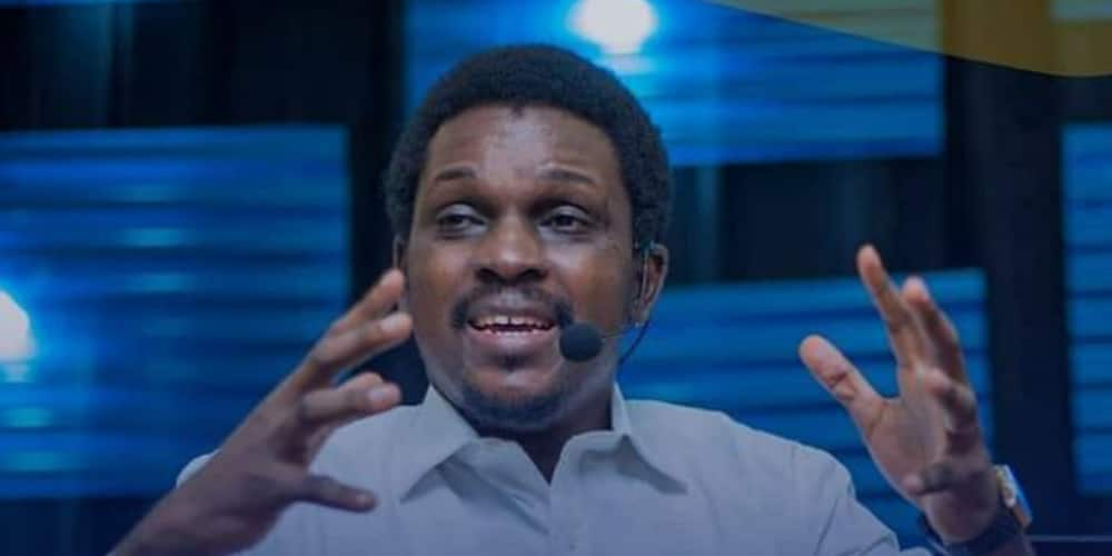 Timi Adigun: Nigerian pastor apologises for engaging in inappropriate behaviour with females