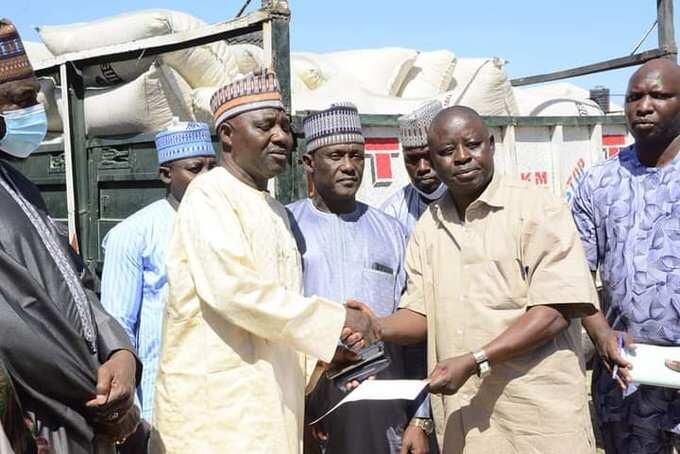 Gwamnatin Borno ta biya N600,000 ga kowanne cikin iyalan manoma 48 da aka kashe