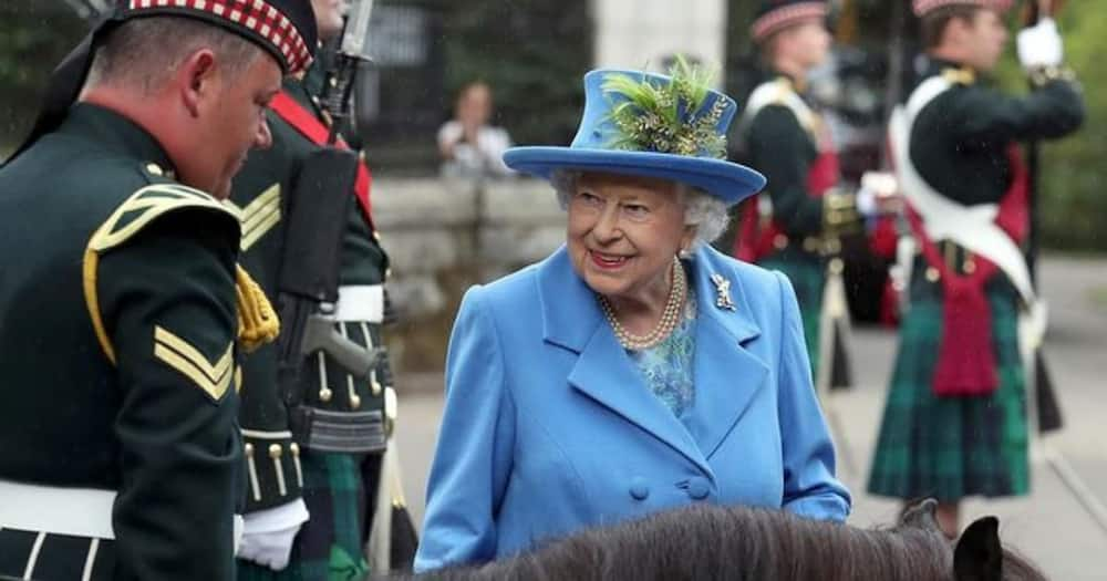 Queen Elizabeth Maskless at Event After Getting 2nd Dose of Vaccine