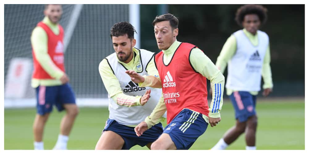 Mesut Ozil set to accept £200k pay cut to complete Fenerbache move